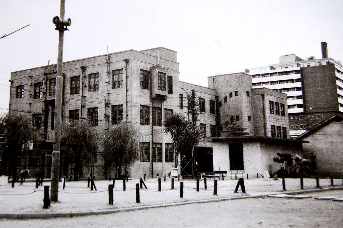 昭和44年(1969年)当時の旧本館全景
